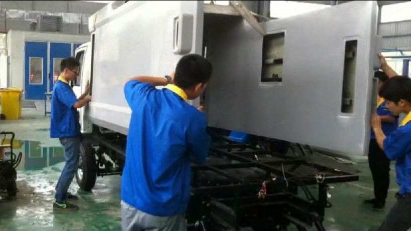 纯电动密闭式桶装垃圾车-生产工艺流程视频
