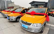 """杭州电动出租车现""""司机荒""""受制电池续航里程推广难"""