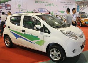 济南展白色电动车