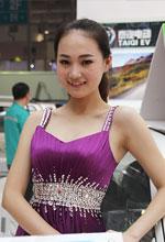 济南展美女车模