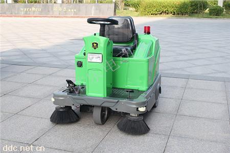 敞开式驾驶DQS12诺乐街道扫地车
