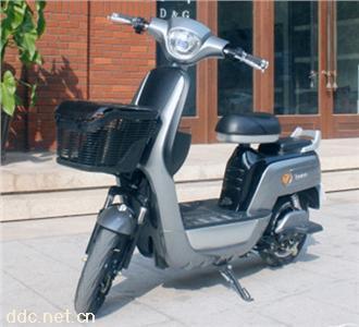 雅迪电动摩托车保罗